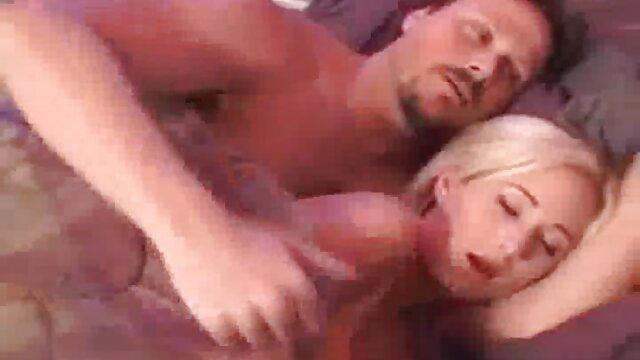 टैटू पंक कुतिया से बॉयफ्रेंड डिक को तीव्र मौखिक सेक्सी मूवी इंडियन मूवी सेक्स मिलता है