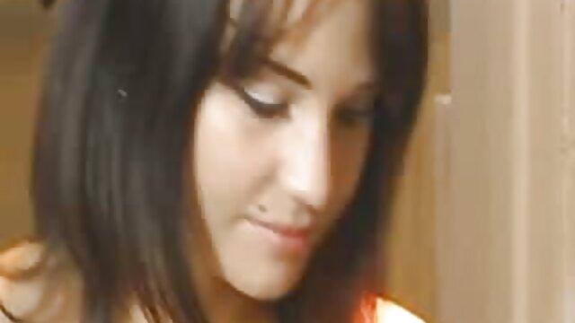 युवा लैटिना ने अपने हिंदी में सेक्सी वीडियो मूवी लिए एक मुर्गा की मांग की