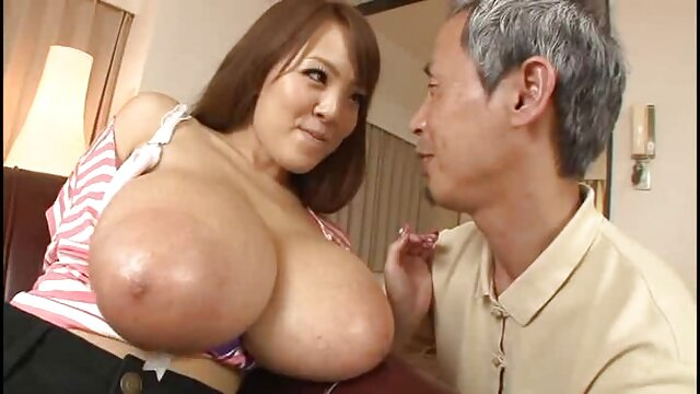 युवा पतला एशियाई लड़की एक मोटी डिक पर सेक्सी मूवी फुल हिंदी खींच लिया जाता है