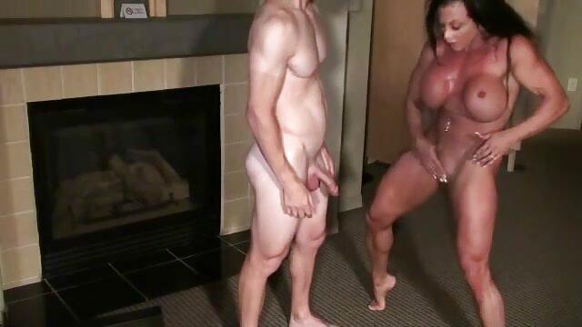 सेक्सी परिपक्व और सींग का बना हुआ महिला एक मोटा पिटाई से हिंदी फिल्म सेक्सी एचडी में pisses