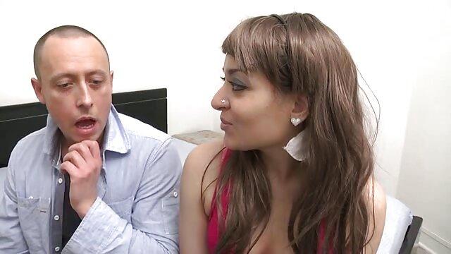 विभिन्न छेदों में फूहड़ परिपक्व महिलाओं सेक्सी हिंदी वीडियो फुल मूवी के साथ आक्रामक कमबख्त का संकलन